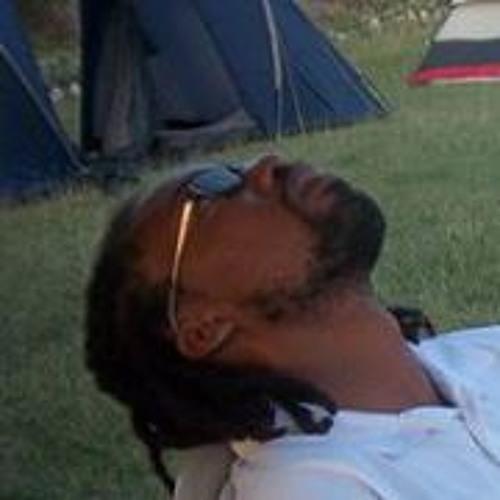 Glen Toussaint's avatar