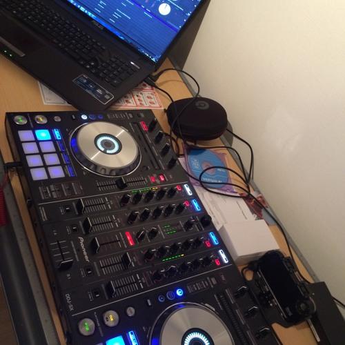 DJ pH -'s avatar