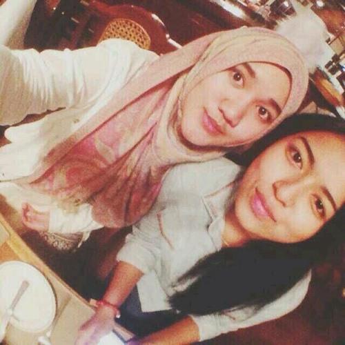 Nadiah Mubari's avatar