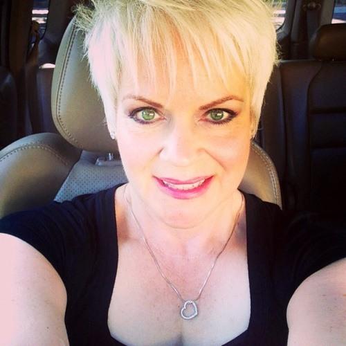 Dana Lee <3's avatar
