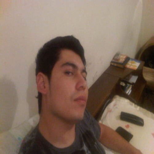 Carlos Flores 133's avatar