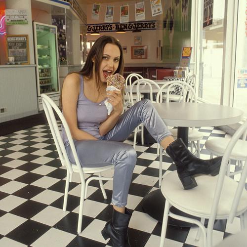 Lili Pedrazzini's avatar