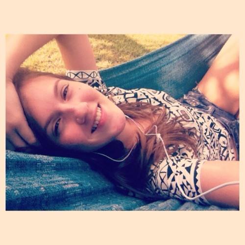 Juliana Stefani's avatar