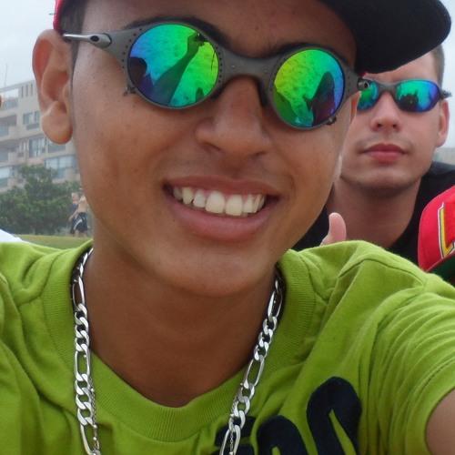 Fernando Olevario's avatar