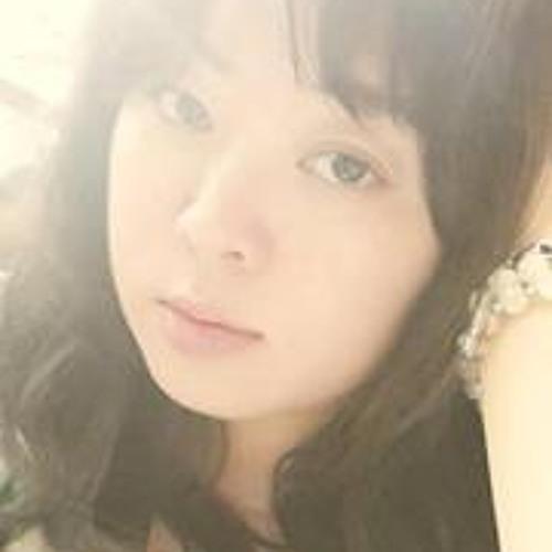 Anna River's avatar