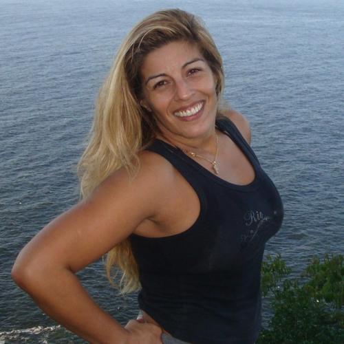 Bianca Araujo 10's avatar