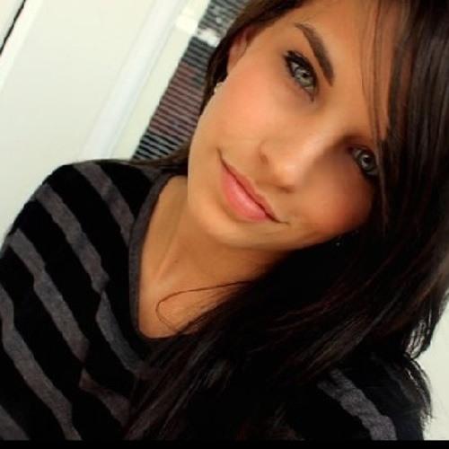 Emily Torrez's avatar