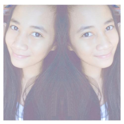 Indah Septiani's avatar