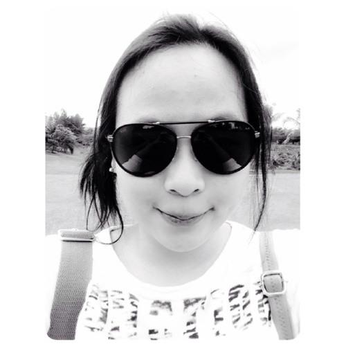 Michelle Esther's avatar