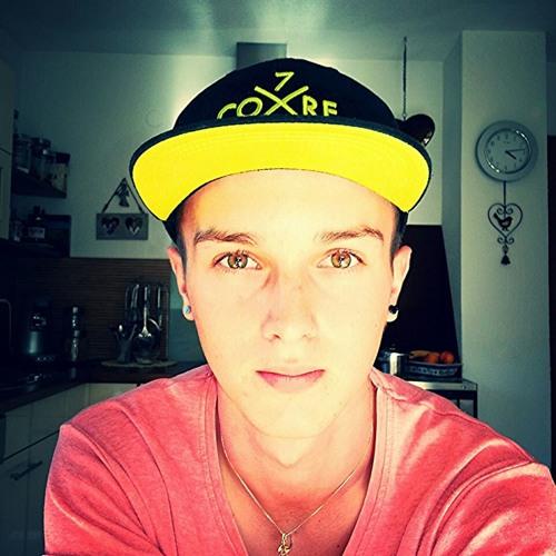xande93's avatar