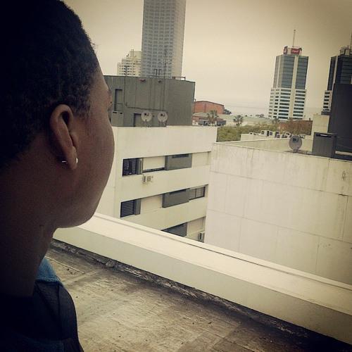 Leonel 'juju' Katemo's avatar