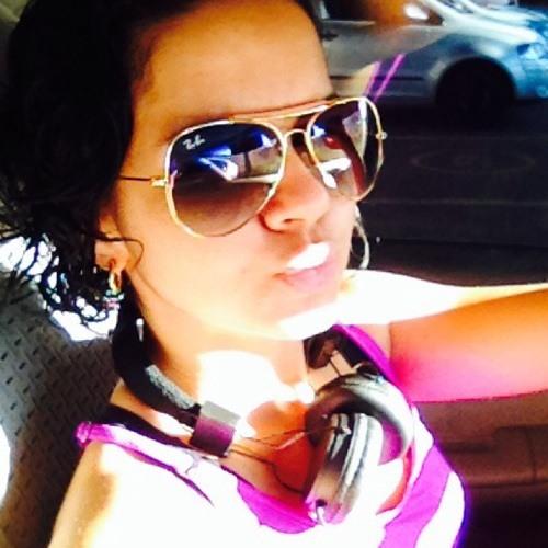 Cinara Pires's avatar