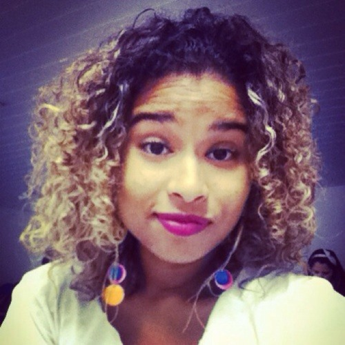 Cassia Rodrigues's avatar