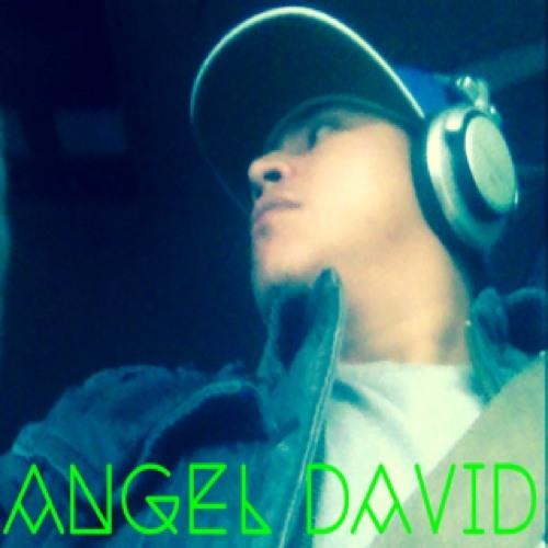 Angel D El Estudiante's avatar