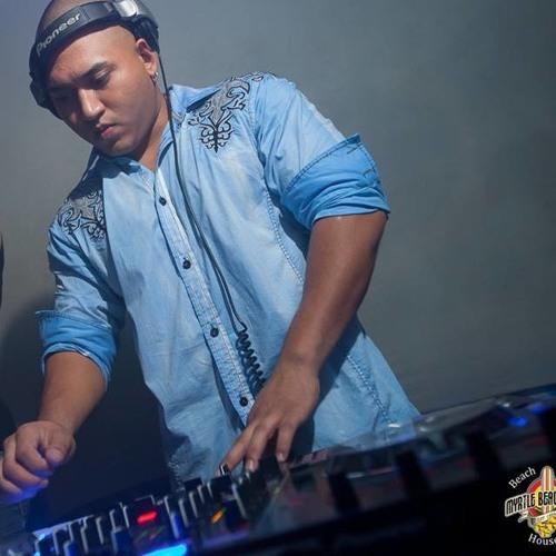 DJ Juan Garza's avatar