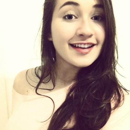 Ariadne Andrade's avatar