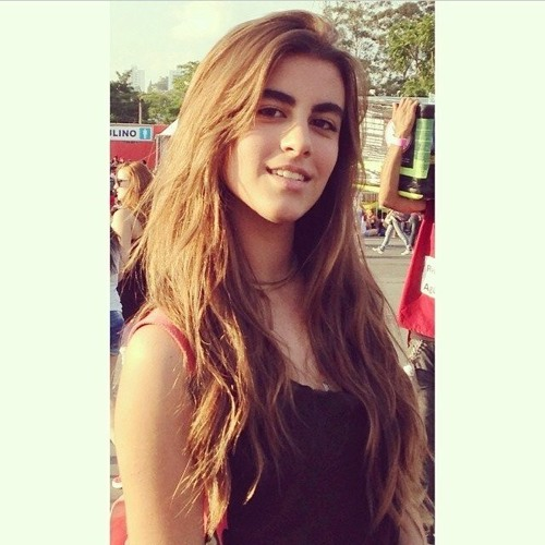 Giovana Todescan's avatar