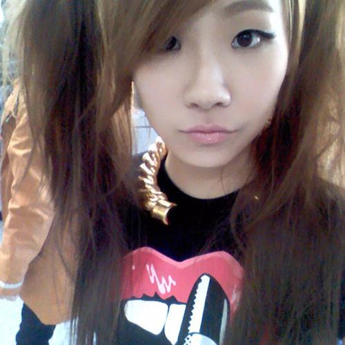 Alex Kuran Woo's avatar