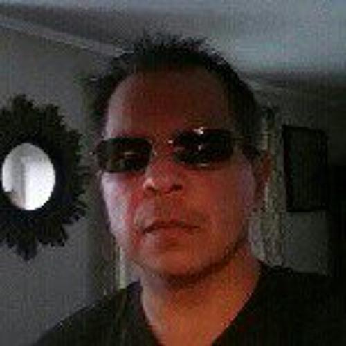 Roland Flores 120's avatar