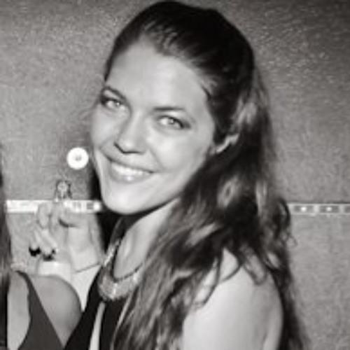 Carmen Van Buuren's avatar
