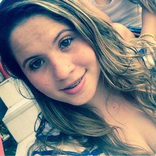 Alice Alves 4's avatar