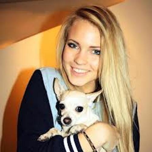 Flavia Grande's avatar