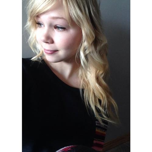 Salina Edwards's avatar