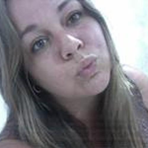 Gabriela Campanharo's avatar