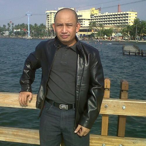 azie_ahmad's avatar