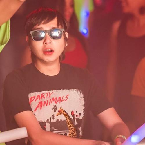 DJ Fullerton's avatar