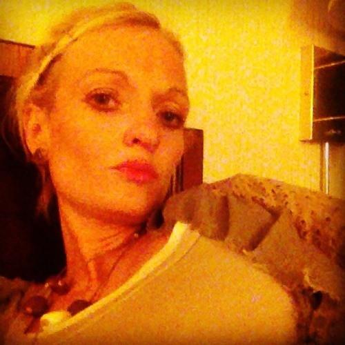 Erin Elizabeth J's avatar