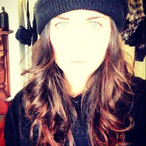 lara charlotte's avatar
