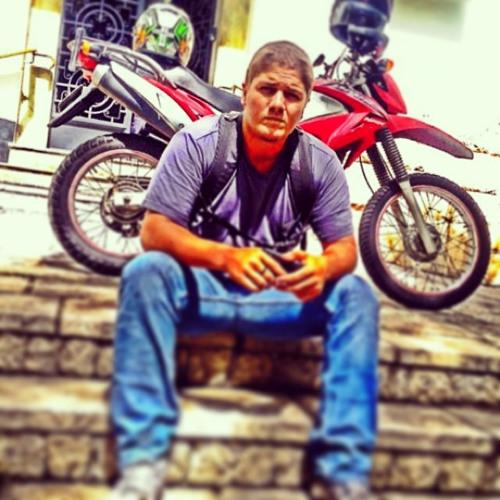 Luan Martinho's avatar