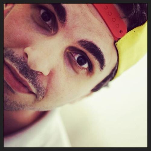 Fael novaes's avatar