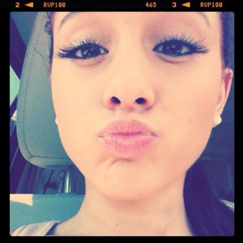 Ariana Grande ❤️'s avatar