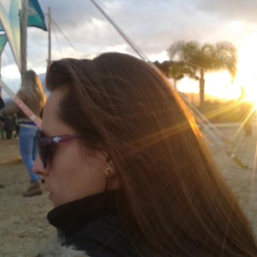 Stefanie Figueiredo's avatar