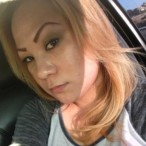 Lucille Bueno's avatar