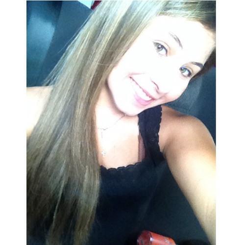Ynara Martins's avatar