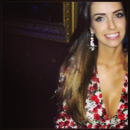 Ana Carolina B. A.'s avatar