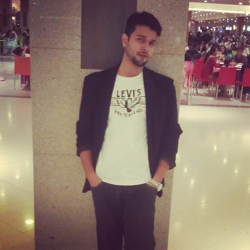 Muzammil Roy's avatar