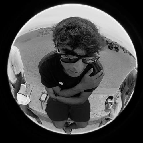 darkside of the lens's avatar