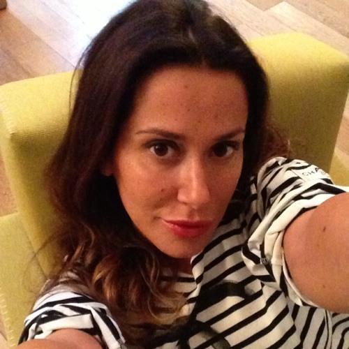Celine F's avatar