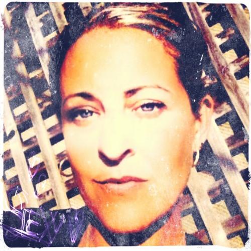 Sharnee McMillan's avatar