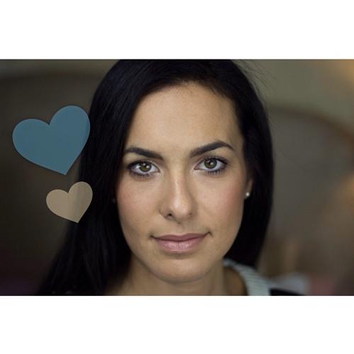 Elena Tee's avatar