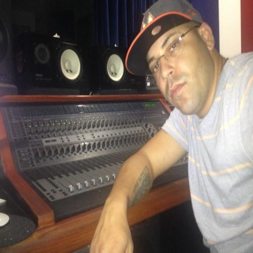 DJ38's avatar