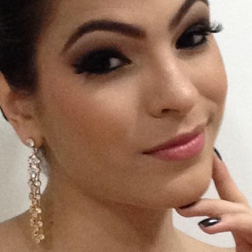 Clara Carvalho L's avatar