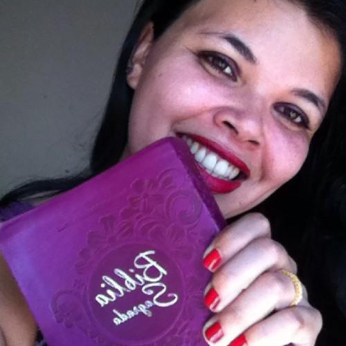 Aline Tainá Martins's avatar