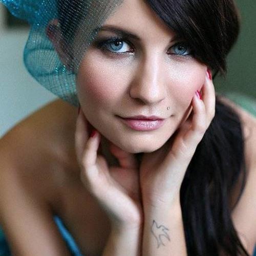 Jenifer laroux's avatar
