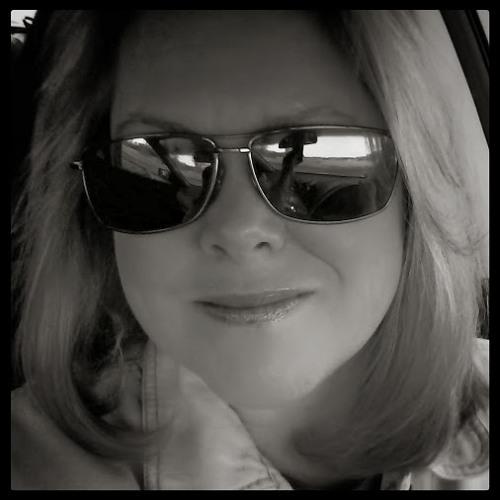 Teri Hoelter Cockerham's avatar