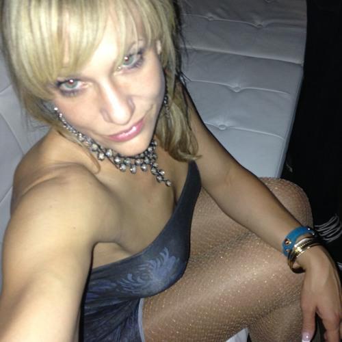 Emma Burns 13's avatar